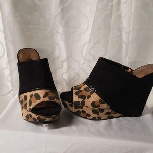 Carlos wedge heels